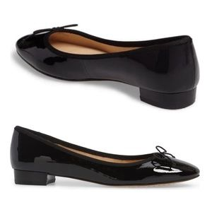 VINCE CAMUTO Adema LEATHER FLAT